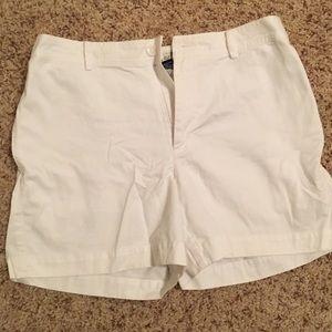 White gap retro fit shorts size 8